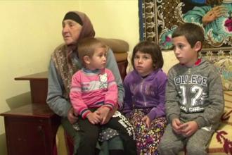 Trei frati din Dolj, parasiti de mama pentru noul iubit. Bunica acuza: