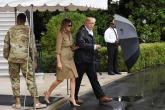 Donald şi Melania Trump au ajuns din nou în Texas. Prima Doamnă a purtat iar tocuri la plecare