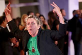 Festivalul de film de la Veneţia: reacţia actriţei Frances McDormand în faţa fotoreporterilor