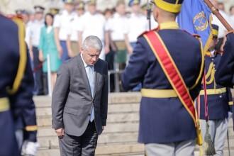 Adrian Țuțuianu rupe tăcerea, după demisia de la Apărare