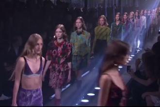 Patru mari case de modă renunță la modele foarte slabe. Condiții impuse la urcarea pe podium