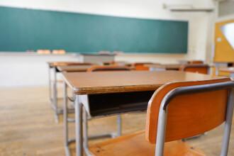 O britanică a decis să nu-și mai trimită fata la școală, în semn de protest
