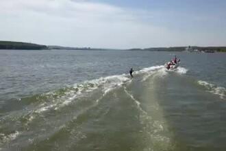 Wakeboarding-ul, noul sport extrem preferat de tineri. O lecție costă 60 de lei