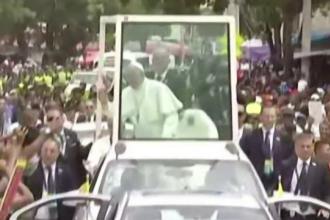 Papa Francisc s-a ales cu două vânătăi. S-a lovit cu capul în vehiculul care-l transporta la Cartahena