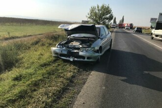 Un bărbat a murit carbonizat, după ce trei autovehicule s-au ciocnit în Buzău