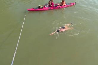 Avram Iancu, primul om din lume care vrea să parcurgă înot toată Dunărea, a ajuns la Galați