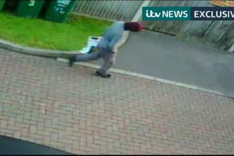 Suspectul principal în atentatul cu bombă de la metroul londonez, surprins de camere