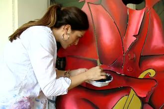 """""""Micuţa Picasso"""" își expune lucrările în România: """"Mă bucur că am reușit să vin"""""""