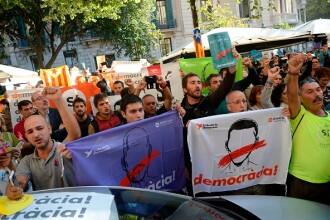 Poliţia spaniolă a arestat 12 înalţi oficiali catalani în dosarul referendumului