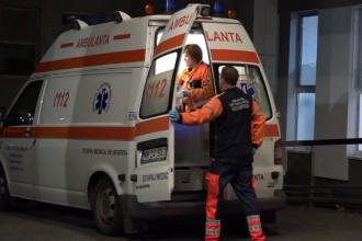 Accident grav în Galaţi, după ce o maşină a lovit o buturugă