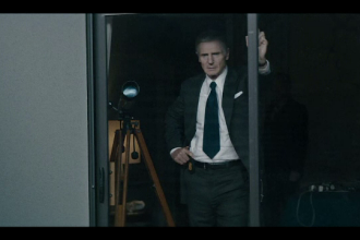 """Liam Neeson în rolul unui agent FBI, în pelicula """"Mark Felt"""""""