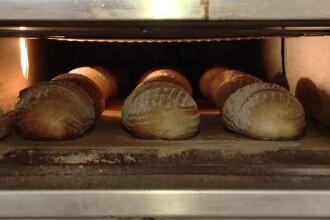 Un român mănâncă în medie pe zi 7 felii de franzelă. Câţi îşi fac pâinea acasă
