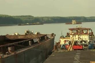Situație dramatică în portul Corabia. La Ministerul Transporturilor, oamenii își bat joc de Dunăre