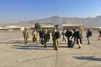 Aeroportul din Kabul, atacat cu rachete imediat după sosirea şefilor Pentagonului şi NATO