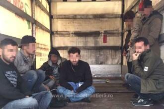 Migranţi irakieni prinşi la frontieră, într-un camion cu fund dublu
