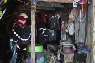Un bătrân din Gorj a rămas pe drumuri, după ce casa i-a ars din cauza unei sobe