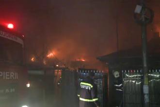 Incendiu în sectorul 5 al Capitalei: șase case, mistuite de flăcări