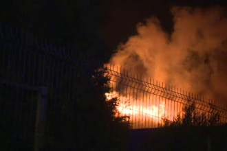 Şase case din Capitală, distruse de un incendiu produs din cauza unui coş prost izolat