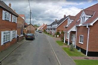 Un bărbat a lipit un bilet cu instrucțiuni pe ușă apoi s-a sinucis. Cine l-a găsit