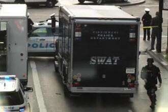 Atac sângeros asupra unei bănci din SUA. 4 oameni, ucişi în schimbul de focuri