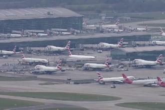Datele a sute de mii de oameni, furate, după ce au cumpărat bilete de avion online
