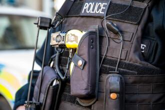 Şofer român arestat în Anglia. Se pregătea să preia 400 kg de droguri, ascunse printre roşii şi ceapă