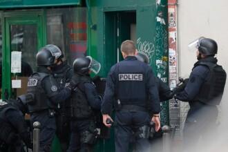 Poștaș atacat cu foarfeca, în Paris. Polițiștii au folosit arma cu electroșocuri