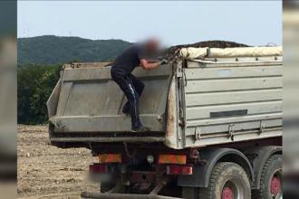 Un șofer s-a gândit să arunce gunoaiele într-o arie protejată. Amendă de 200.000 de lei