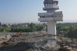 Fostul turn de control al aeroportului din Bacău a fost demolat