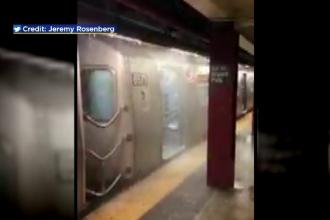 Zeci de staţii de metrou din New York, inundate după ploaie. Imagini incredibile filmate de călători