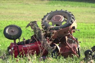 Un bărbat din Alba a fost strivit de tractor. Cum s-a întâmplat tragedia