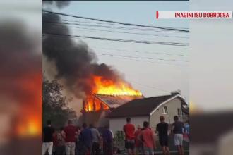 Două case din judeţul Constanţa au fost distruse într-un incendiu