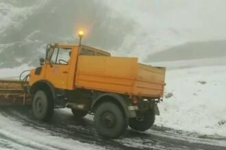 Drumuri acoperite de zăpadă, în septembrie. 9 persoane, blocate pe şosea din cauza poleiului
