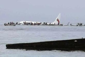 Un avion de pasageri a ratat aterizarea și s-a prăbușit în ocean