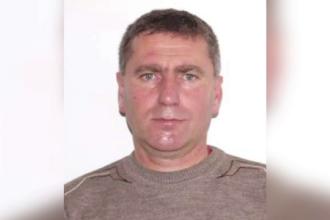 Un asistent de pe ambulanță, dat dispărut. Mașina sa a fost găsită în flăcări