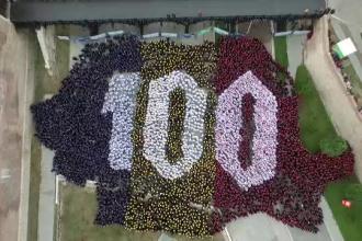 Moment emoționant la Alba Iulia. 4800 de oameni au cântat imnul la unison. VIDEO