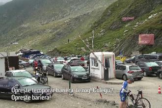Noxe şi mizerie la Bâlea Lac. Pentru aer curat, şoferii stau o oră într-un tunel poluat
