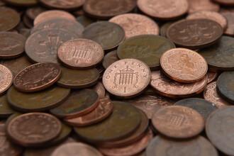 A vrut să-și plătească amenda cu un portbagaj plin cu monede. Reacția autorităților