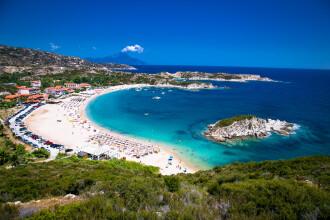 Grecia introduce o nouă regulă pentru turiști. Zeci de români și bulgari au fost testați pozitiv la Covid-19