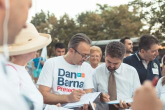 """Paleologu a semnat pentru candidatura lui Barna. """"Barna semnează pentru mine?"""""""