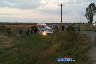 Un microbuz plin cu călători s-a răsturnat la Tişiţa după o greşeală a şoferului