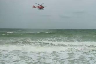 Adolescent dispărut în mare. Salvatorii îl caută cu un elicopter și navă cu sonar