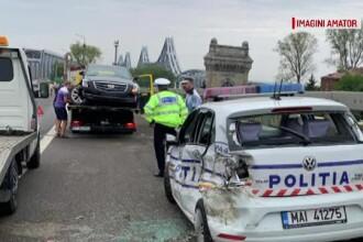 Carambol pe A2. Mașină de poliție, venită la o tamponare, implicată în accident