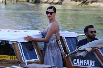 Modelul român care a atras toate privirile la Festivalul de Film de la Veneția. FOTO