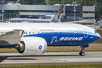 Probleme pentru un nou model de avion Boeing. Uşa s-ar fi desprins la primul zbor