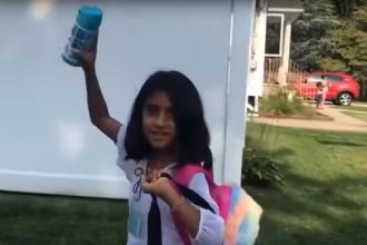 Prima zi de şcoală în SUA a Sorinei, fetiţa adoptată din Baia de Aramă. VIDEO