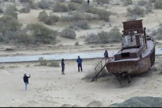 Catastrofă ecologică transformată în atracţie turistică. Marea care a devenit un deşert