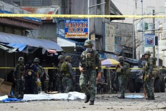 Atentat sinucigaş la o bază militară, comis de un kamikaze ISIS deghizat în femeie