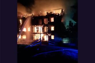 Incendiu devastator în Londra. Un bloc de patru etaje a ars din temelii