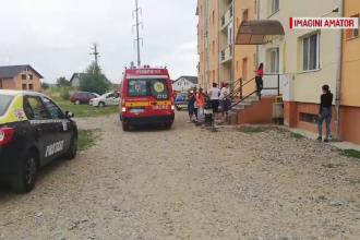 Un copil a căzut de la etajul 3 al unui bloc din Bistriţa. De ce sunt anchetaţi părinţii